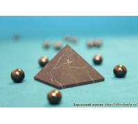 Пирамида неполированная 4х4