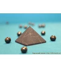 Пирамида неполированная 3х3