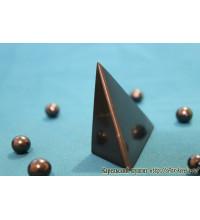 Пирамида неправильной формы полированная маленькая