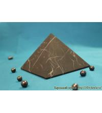Пирамида неполированная 15х15