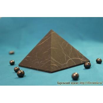 Пирамида неполированная 10х10